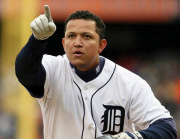 miguel cabrera pointing up