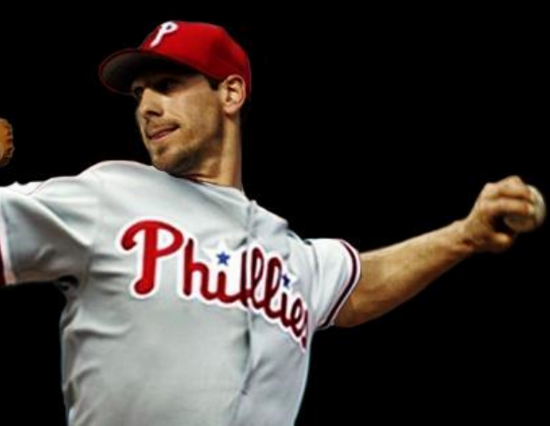 cliff lee throwing in phillies uniform