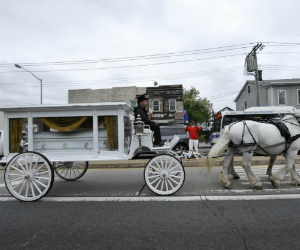 50-cent-pays-for-horse-drawn-carriage-for-funeral-of-daja-robinson-black-enterprise
