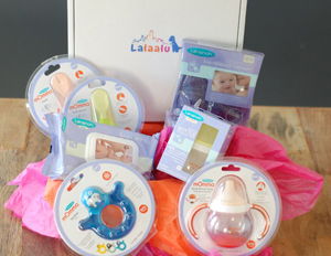 When you think Lalaalu, think Birchbox for NYC babies. There are so many kid products on the market that it would take a fortune to try them all out; and even then you're sure to end up with some duds. Every month Lalaalu KidBoxes sends its subscribers a collection of parent-tested and kid-approved products that are perfect for the urban family on-the-go. Lalaalu only sends products that are toxin-free from socially-responsible brands, customized for your kids age.A subscription is $35/month and shipping is always free. Every KidBox is full of retail-size products worth over $60 in value.