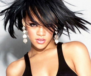 Rihanna's 'Unapologetic' Becomes her Sixth Platinum Album