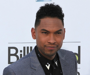 Miguel was Warned not to Jump at Billboard Awards Performance