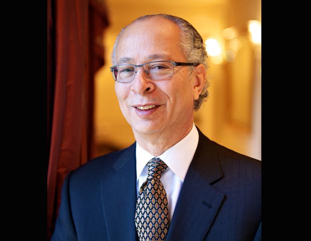 Samuel C. Scott III Former Chairman,  President & CEO Ingredeon Inc. Boards: Abbott Laboratories, Bank of New York Mellon  Corp., Motorola Solutions Inc.