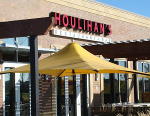 Houlihan's Restaurants Expands, Offering Lower Cost And Smaller Size Franchises