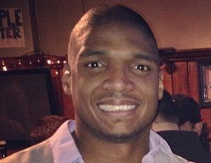 First Openly Gay NFL Athlete, Michael Sam, Stars In New Visa Commercial