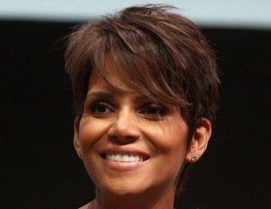 [WATCH] Halle Berry Launches New Scandale Lingerie Line