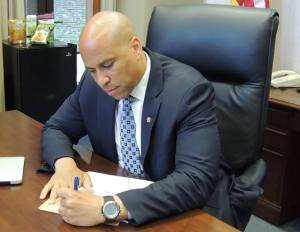 Senator Cory Booker introduces domestic violence bill