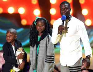 Kevin Hart Wins MTV Comedic Genius Award