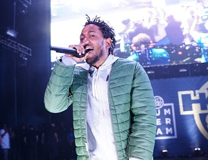 Kendrick Lamar Inspires Teens During Visit to a New Jersery High School
