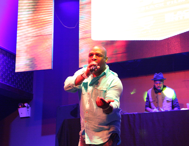 Naughty by Nature's Vinny grabbed the mic and demonstrated his MC skills.