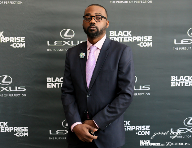 Fashion Bullies co-founder Terrence Sloan snaps a pic on the red carpet.