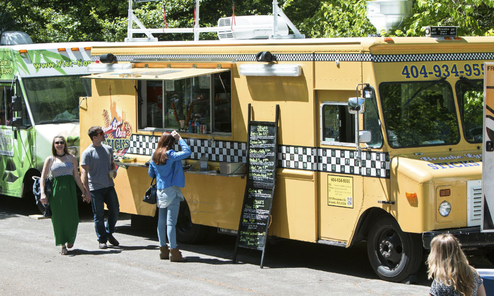 Quick Eats: 5 Healthy Food Truck Options for the Busy Entrepreneur