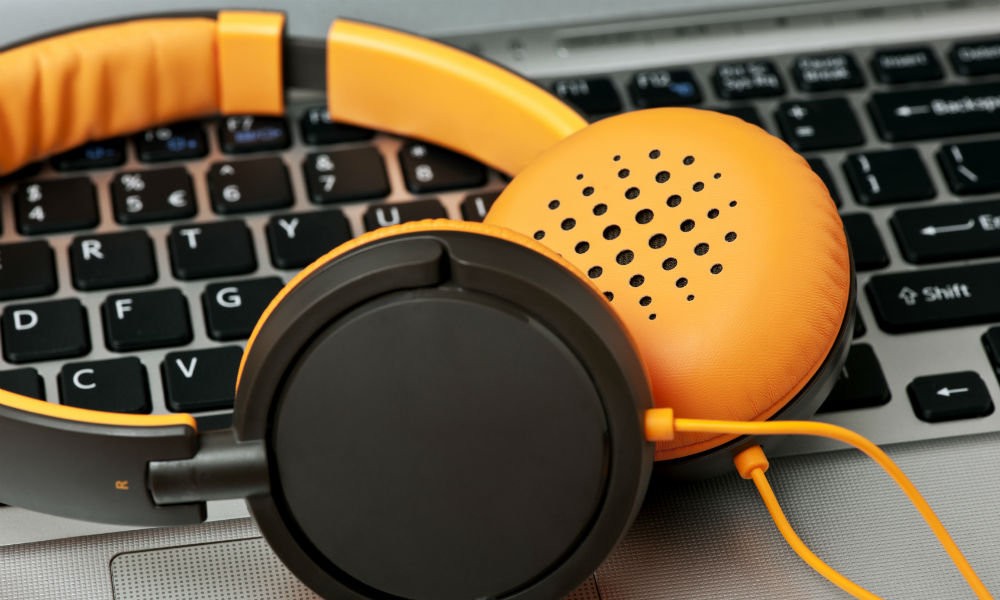 5 Hot Health & Wellness Podcasts for Busy Entrepreneurs
