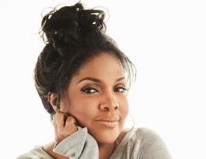 """CeCe Winans Says """"Let Them Fall in Love"""" on First Album in 9 Years"""