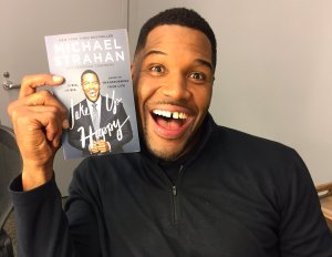 On International Day of Happiness, Here's How to Wake Up Happy Like Michael Strahan