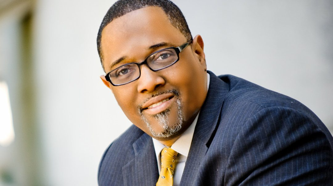 "BE Modern Man: Meet ""Mr. Real Dads Read"" Kenneth Braswell"