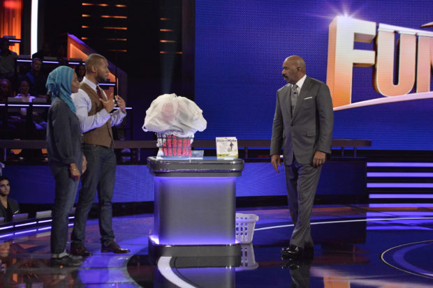 "STEVE HARVEY'S FUNDERDOME - ""Episode 110"" - The seed-funding competition reality series ""Steve Harvey's FUNDERDOME,"" featuring two aspiring inventors going head-to-head to win over a live studio audience to fund their ideas, products or companies, airs SUNDAY, AUGUST 27 (9:00-10:00 p.m. EDT), on The ABC Television Network. (ABC/Lisa Rose) NAJMA JAMALUDEEN, YUSUF JAMALUDEEN (BASKETMATE), STEVE HARVEY"