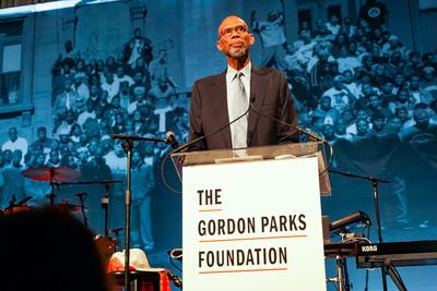 Gordon Parks Foundation Raises $1.3 Million, Honors Kareem Abdul-Jabbar And Kehinde Wiley