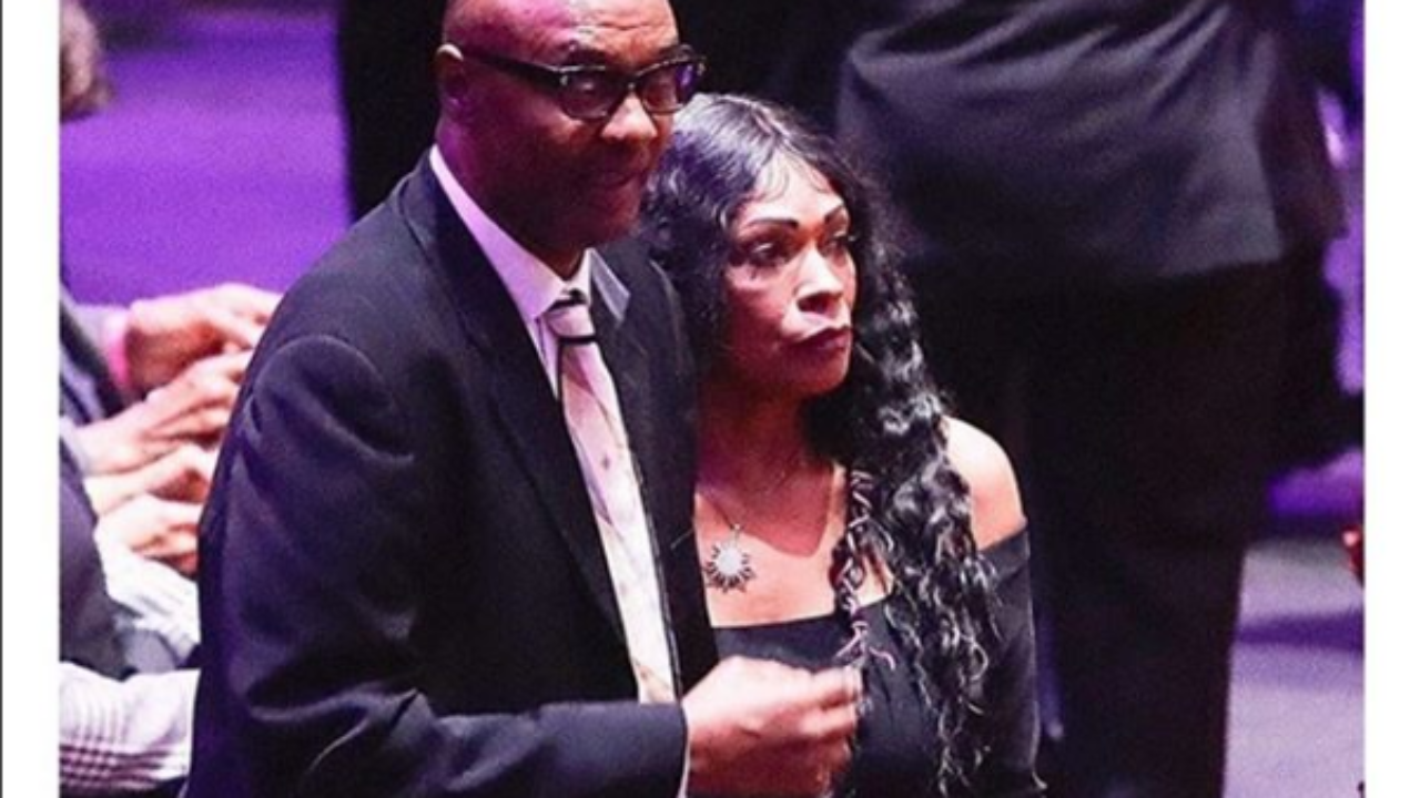 Fans Say Kobe Bryant S Parents Were Slighted At His Public Memorial